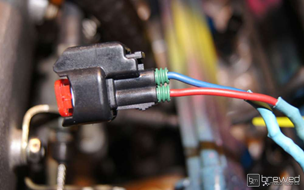 attaching fuel injector clips